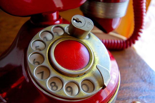 Guida alla deducibilità spese telefoniche fisse e mobili